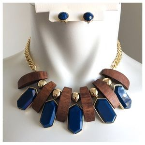 Jewelry - New- Brown Wood & Navy Necklace Set