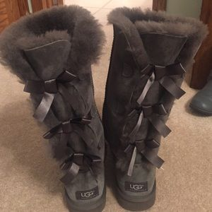 UGG Shoes - UGG Bailey Bow tall boot. Size 8