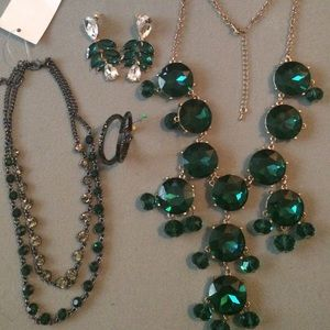 Emerald/rhinestone statement necklace and earrings