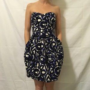 Shoshanna Dresses & Skirts - NWT Shoshanna Aztec Printed Strapless Dress