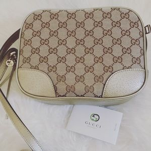Gucci Handbags - GUCCI GG Bree Beige/Gold Disco