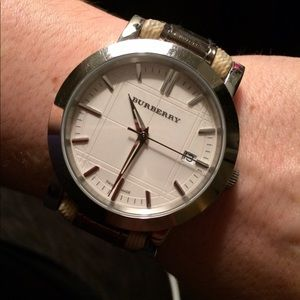 Authentic Burberry Watch with Classic Strap