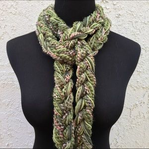 Handmade by Hayley Accessories - 🎁Handmade Green & Tan Scarf