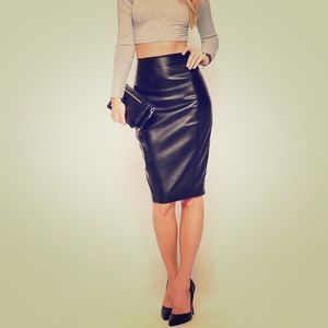  Bagatelle Genuine Leather Pencil Skirt