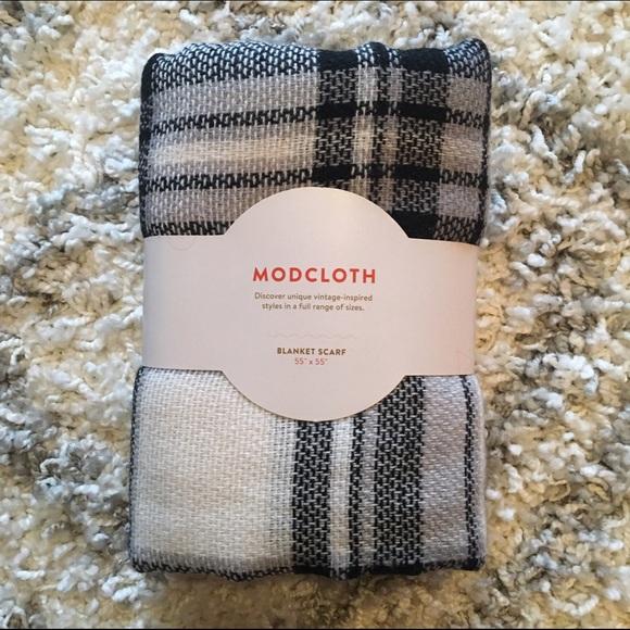 NWT Modcloth Loch & Key Blanket Scarf