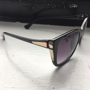 Accessories - Purple tinted sunglasses black frame