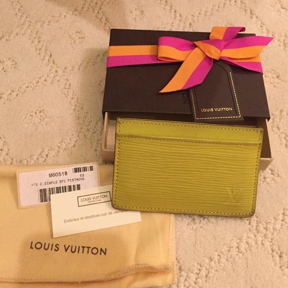 d27e6e372af1 Louis Vuitton Accessories - Louis Vuitton card holder with original box