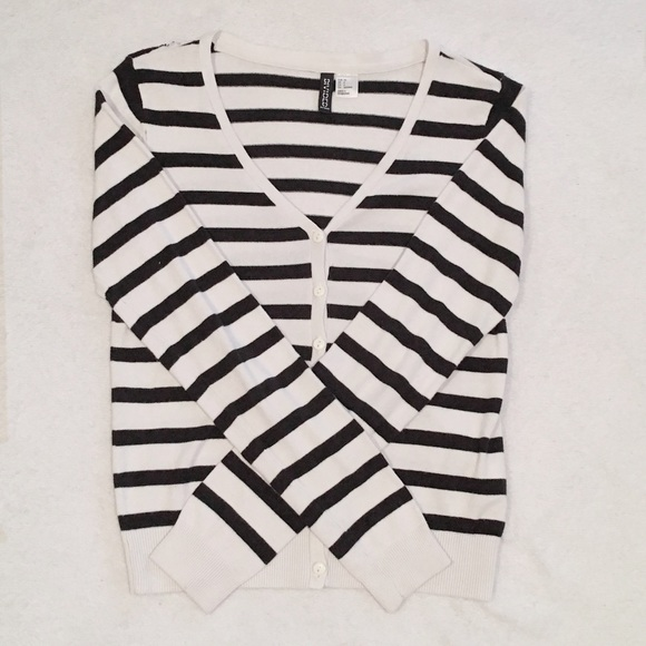 H&M Sweaters - Black and White Sweater