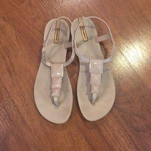 Ipanema Shoes - Ipanema T-Strap Sandler