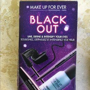 Makeup Forever Other - Make up forever black out eyes kit