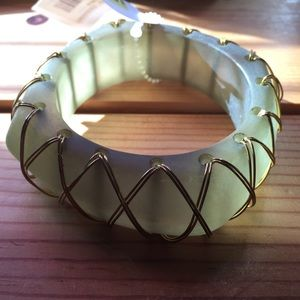 Wire wrapped green square bangle