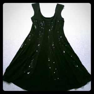 connected apparel Dresses & Skirts - Like NEW black cocktail dress has stretch size 10