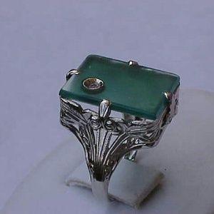 Jewelry - 14k gold diamond chrysoprase filigree ring
