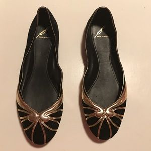 B Brian Atwood Black Velvet and Gold Flats