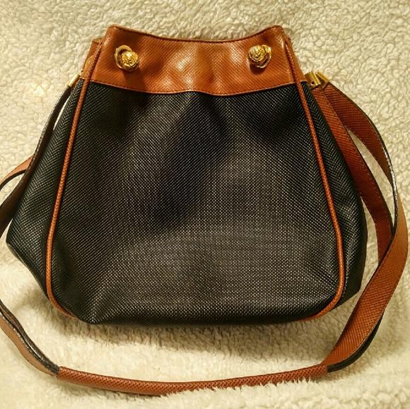 df8d4bad1c30 Bottega Veneta Handbags - Vintage Bottega Veneta satchel