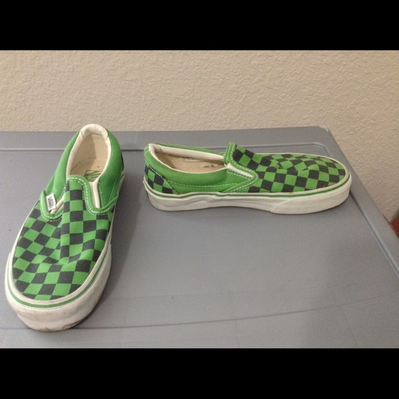 e39c011ab144ff Black and Green Checker Print Vans. M 585f76208f0fc49c980f7976