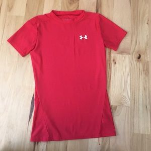 Under Armour Other - Under armour boys medium fitted t-shirt