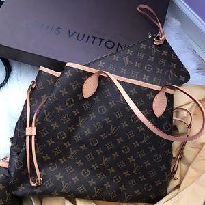 Louis Vuitton Handbags - 🎁 Louis Vuitton Neverfull GM Monogram Tote🎁