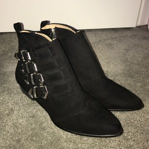 Forever 21 Boots - Black flat ankle pointed booties with buckles