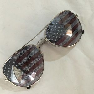 N/A Accessories - Fashion aviator glasses with flag lense