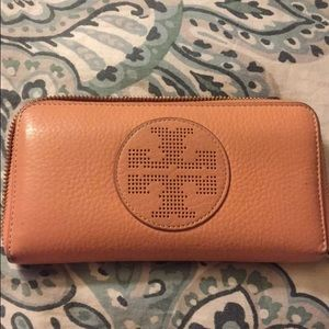 Tory Burch Handbags - Tory Burch zip around wallet