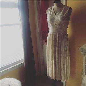Ivy & Blu shimmer nude dress sz: 6