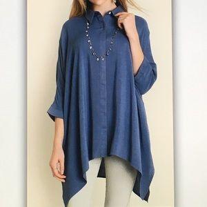 🐬Blue 3/4🐬sleeve button dolphin blouse