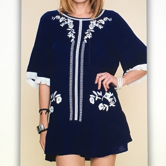 🐬Blue/white🐬floral 3/4 fringe tunic blouse