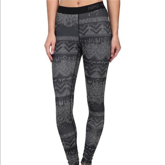 9077788d67c85b Nike Pro Hyperwarm Nordic Print Dri-Fit Leggings. M_586146d036d594b8a613f9b4