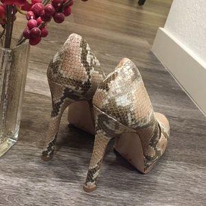 Joan & David Shoes - NWT JOAN & DAVID Snakeskin Platform Pumps, Size 6