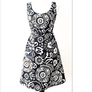 Amanda Lane Dresses & Skirts - Amanda Lane A-line Black + White Dress - Size 6