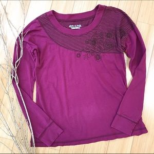 Royal Robbins Tops - ROYAL ROBBINS magenta shirt, S M.
