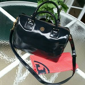 Tory Burch Handbags - Authentic tory burch robinson satchel