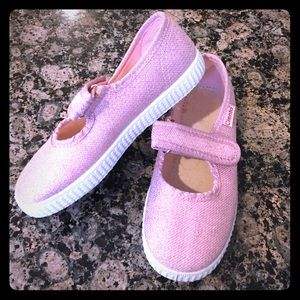 Cienta Other - Little kid pink Cienta glittery Mary Janes !