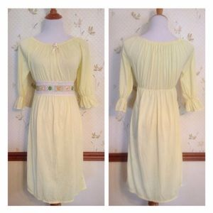 Vintage 1960s Soft Yellow Nightgown , Negligee