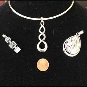 Jewelry - Beautiful silver necklace