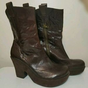 KORK EASE Platform Brown Leather Boots are 10