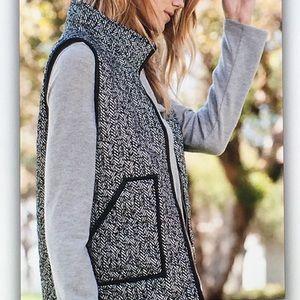 Jackets & Coats - 🔥Black gray🔥 herringbone pocket puff vest
