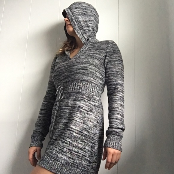Roxy knit hooded sweater dress black white large