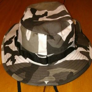 818540132b0 Accessories - Snow camo bucket hat brand new!