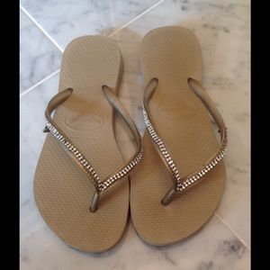 Havaianas Shoes - ✨LAST CALL✨Havaianas Embellished Sandals