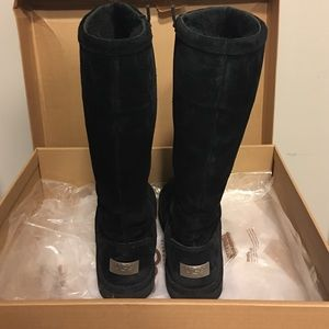 8995db66a87 Black 1891 W Greenfield UGG boots