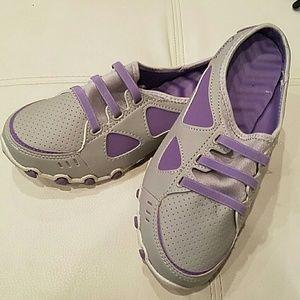 Shoes - Slide Sneaker