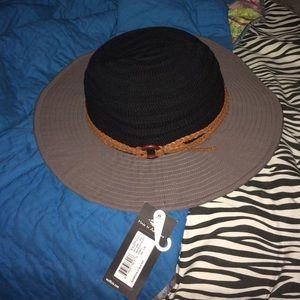 Accessories - Brand new sun hat