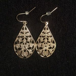 Jewelry - Gold colored teardrop earrings