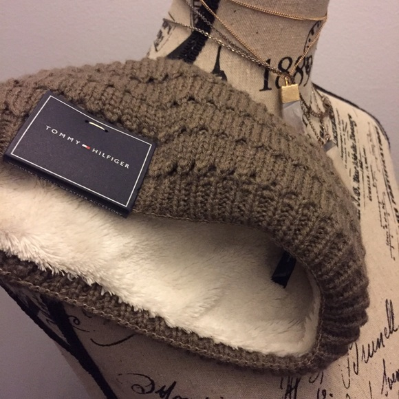 3cfc56a3d8c81b Tommy Hilfiger Accessories | Winter Headband | Poshmark