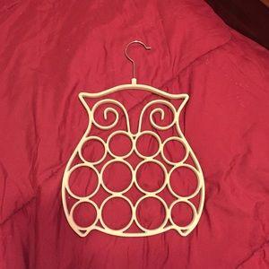 Owl shaped scarf holder
