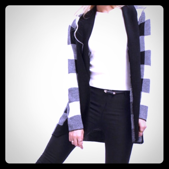 Black & White Belted Checked Sweater