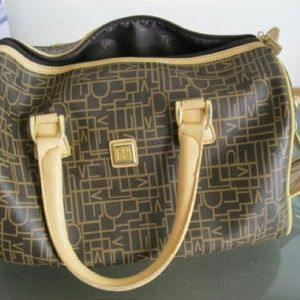 DVF MONOGRAM Travel purse