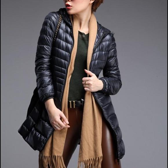 6c5a704a2f7e Black Uniqlo Ultra Light Down Hooded Puffer Coat. M 5861ee3ebf6df5701102d263